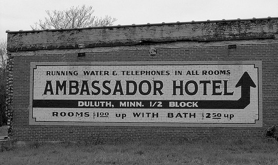 Ambassador Hotel, photo (cc) https://www.flickr.com/photos/scmikeburton/